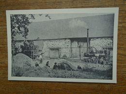 Réédition , Chamboulive , A La Brousse , Vers 1910 , La Batteuse D'étienne Borie  Devant La Ferme Pierre Peyrafort - Autres Communes