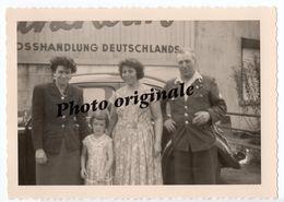 Photo Originale Autos Voitures Automobiles Cars - Volkswagen VW Coccinelle Ovale Käfer Ovali Beetle Femmes Homme Fille - Automobili