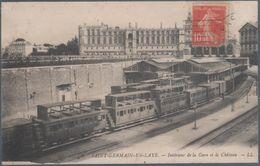 Saint Germain En Laye , Intérieur De La Gare , Trains , Et Le Chateau  , Animée - St. Germain En Laye