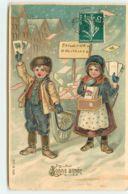 N°15415 - Carte Gaufrée - Bonne Année - Enfants Distribuant Des Cartes Postales - Neujahr