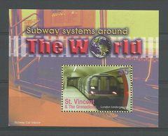 St Vincent 2004 Subways Around The World S/S Y.T. BF 593B ** - Treinen