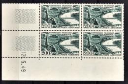 FRANCE  1947 / 1949 - BLOC DE 4 TP  Y.T. N° 25 COIN DE FEUILLE / DATE - NEUFS** - Poste Aérienne