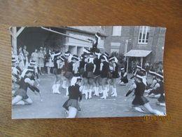 BERGUES SUR SAMBRE AISNE FÊTE LES MAJORETTES 19 JUIN 19780  PHOTO L'AISNE NOUVELLE  18cm/11cm - Lieux