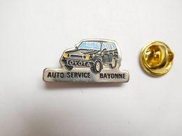 Beau Pin's , Auto Toyota , Auto Service Bayonne  , ATTENTION : Pin's Décoloré - Toyota