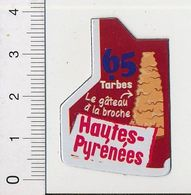 Magnet Le Gaulois Carte Géographique Département Hautes-Pyrénées Gâteau à La Broche 01-mag1 - Magnets