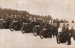 Carte Postale Ancienne CPA / Ansichtskarten AK  C: Départ De Course Cycliste (stayer) Avec Les Motos - Ciclismo