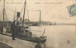 CPA 64 Pyrénées Atlantiques Boucau Les Quais Et Usines De Saint Gobain Bateaux Péniche - Boucau