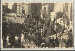 Braine-Le-Comte - Processions Ou Manifestation Sur Le Parvis De L'Eglise St Géry (photo Format Cpa 13.5 X 9 Cm) - Braine-le-Comte