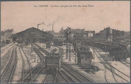 Troyes , La Gare , Vue Prise Du Pont Des Fossés Patris , Trains , Animée - Troyes