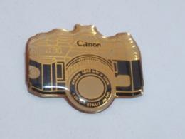 Pin's APPAREIL PHOTO CANON - Fotografía