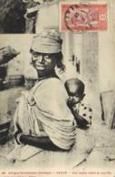 Afrique Occidentale (Sénégal) DAKAR  Une Jeune Mère Et Son Fils + Beau Timbre 10c Senegal RV - Senegal