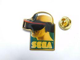 Beau Pin's , Jeu Sega , Informatique , Console , Caque De Réalité Virtuelle - Jeux
