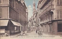 58 NEVERS LA RUE DU COMMERCE ET LE BEFFROI - Nevers