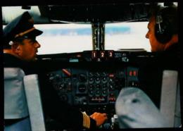 Intérieur COCKPIT - Europa Jet - Lufthansa - Avionique (Avionics Avionica) - GPS/Radios