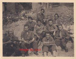 PHOTO ANCIENNE  MILITAIRE STUTTGART JUIN 1945 CORPS FRANC POMMIES  49e REGIMENT INFANTERIE WWII - Guerre, Militaire