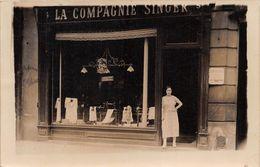 MAGASIN LA COMPAGNIE SINGER- CARTE-PHOTO A SITUER - Tiendas