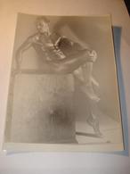 PHOTO ORIGINALE  D UN CULTURISTE 1930  HOMME POSE TORSE NU - Sport