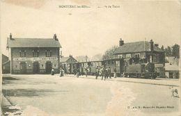 PHL 71 MONTCEAU-LES-MINES. Arrivée Du Tacot à La Gare 1919 Grattages Blancs - Montceau Les Mines