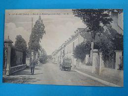 36 ) Le Blanc N° 2 - Rue De La République ( Coté Est ) - Année   EDIT : Boucher - Le Blanc