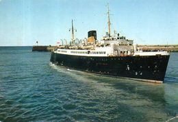 Ferry-boat Falaise Sortant Du Port De Dieppe (76) - Fähren