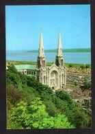 Canada - Québec - Sainte-Anne De Beaupré - La Basilique - Nombreuses Voitures - Ste. Anne De Beaupré
