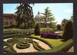 Italie - ROMA - Coupole De La Basilique St-Pierre Et  Jardins Du Vatican - Parks & Gardens
