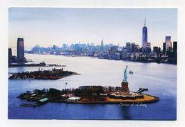 """CP Utilisée Non Voyagée. Vue Aérienne Ellis Island + Statue De La Liberté + """"One World"""" Trade Center. Statue Of Liberty - Ellis Island"""