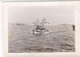 PHOTO ORIGINALE 39 / 45 WW2 U.S ARMY THÉÂTRE DU PACIFIQUE UN CROISEUR LOURD AMÉRICAIN AU MOUILLAGE - Krieg, Militär