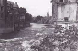 PHOTO ORIGINALE 39 / 45 WW2 WEHRMACHT FRANCE SEDAN VUE SUR LES RUINES ET LA MEUSE - Guerre, Militaire