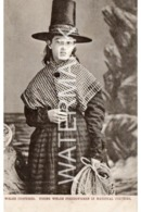 WELSH COSTUMES OLD B/W POSTCARD YOUNG WELSH FISHERWOMAN IN NATIONAL COSTUME TUCK WELSH COSTUME SERIES NO 1204 - Pays De Galles