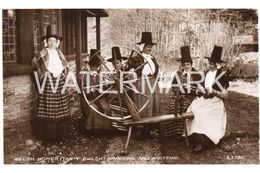WELSH WOMEN OLD R/P POSTCARD TAN-Y-BWLCH SPINNING AND KNITTING WALES - Pays De Galles