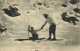CAUTERETS  L'Hiver Une Chute De Ski     RV - Cauterets