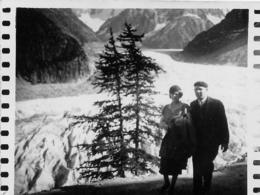 CHAMONIX MER DE GLACE 1934 PHOTO COUPEE D'UNE CARTE PHOTO 9 X 7 CM - Orte