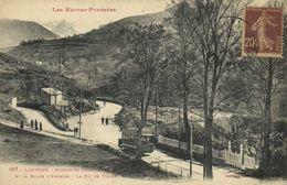 Les Hautes Pyrénées LOURDES  Zvenue Du Funiculaire Et La Route D'Argelès  Le Pic De Viscos  TRAM  Labouche RV - Lourdes