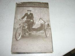 CARTOLINA FOTOGRAFICA RAFFIGURANTE UN SIDECAR 1922 - Moto