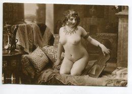 NU French Charm 095 Jean  AGELOU JA Série 67 Modèle FERNANDE Nue Orientalisme Parure Bijoux Cambrure Sofa  EROTISME - Fine Nudes (adults < 1960)