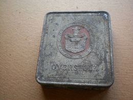 Old Tin Box Haus Neuerburg Zigaretten Overstolz - Contenitori Di Tabacco (vuoti)