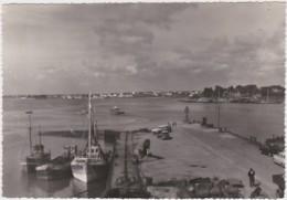 Bz - Cpsm Grand Format PORT LOUIS (Morbihan) - Débarcadère Du Port (Edition STOLL, Perros Guirec) - Port Louis
