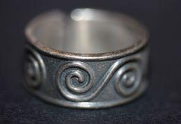 Bague Vintage Bretagne Motifs Celtiques Bague Bretonne (argent ? - Pas De Poinçon) 4.6gr - 17mm - T53 Celtic Ring - Bagues