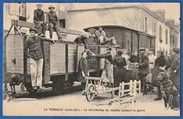 RARE CPA 44 LA TURBALLE (Loire-Inf.) - La Distribution Du Charbon Pendant La Guerre - WWI - La Turballe