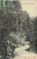 Les Hautes Pyrénées Sur La Route De Pierrefitte à Cauterets Chercheurs De Mineraux Labouche RV - Sonstige Gemeinden