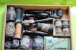 653 - Ancien Tampons Pour Tissus - Cylindre Bois Avec Motifs - Impression Festons - Pasatiempos Creativos