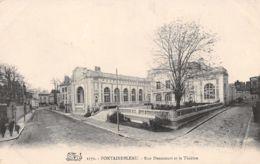 77-FONTAINEBLEAU RUE DENECOURT ET LE THEATRE-N°T1192-B/0329 - Fontainebleau