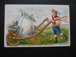 Petit Garçon élégant Poussant Gros Oeuf Avec Violettes Dans Brouette - Gaufrée - - Enfants
