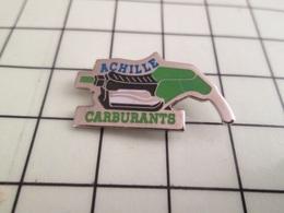 810h Pin's Pins / Rare Et De Belle Qualité !!! CARBURANTS / PISTOLET POMPE A ESSENCE ACHILLE CARBURANTS Par CONCEPTION - Carburants