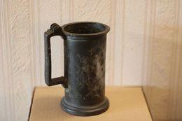 654 - Ancien Mesure étain - Demi-litre - Bellan Cadet Toulouse - Nombreuses Marques Diverses - Etains