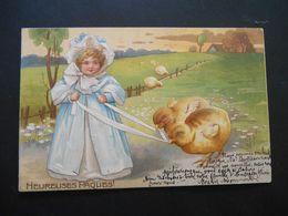 Petite Fille élégante Tenant Des Poussins Avec Un Ruban Dans Paysage Campagne - Gaufrée - Enfants