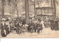 LOIRE ROANNE 1910 PLACE DES PROMENADES  JOUR DU 14 JUILLET ANIMEE ECRITE - Roanne