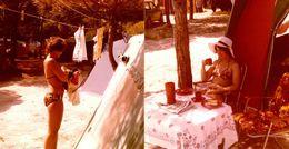 2 Photos Couleurs Carrées Originales Pin-Up Sexy En Maillot De Bain Pour Dures Activités De Camping Vers 1980 - Pin-up