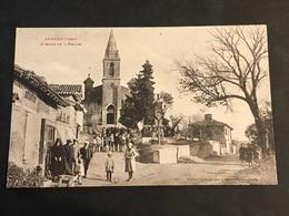 CPA 1900 Auradé Avenue De L'église Sortie De Messe Animée - Francia
